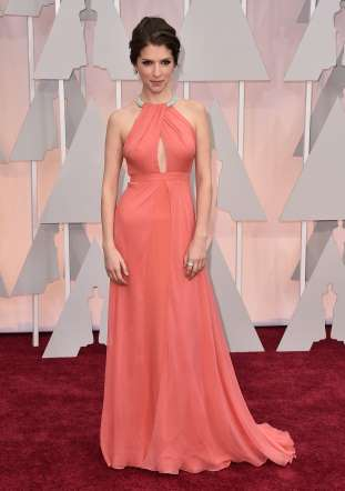 Oscar 2015 red carpet Anna Kendrick