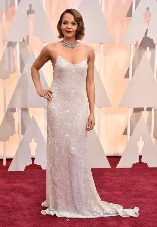 Oscar 2015 red carpet Carmen Ejogo