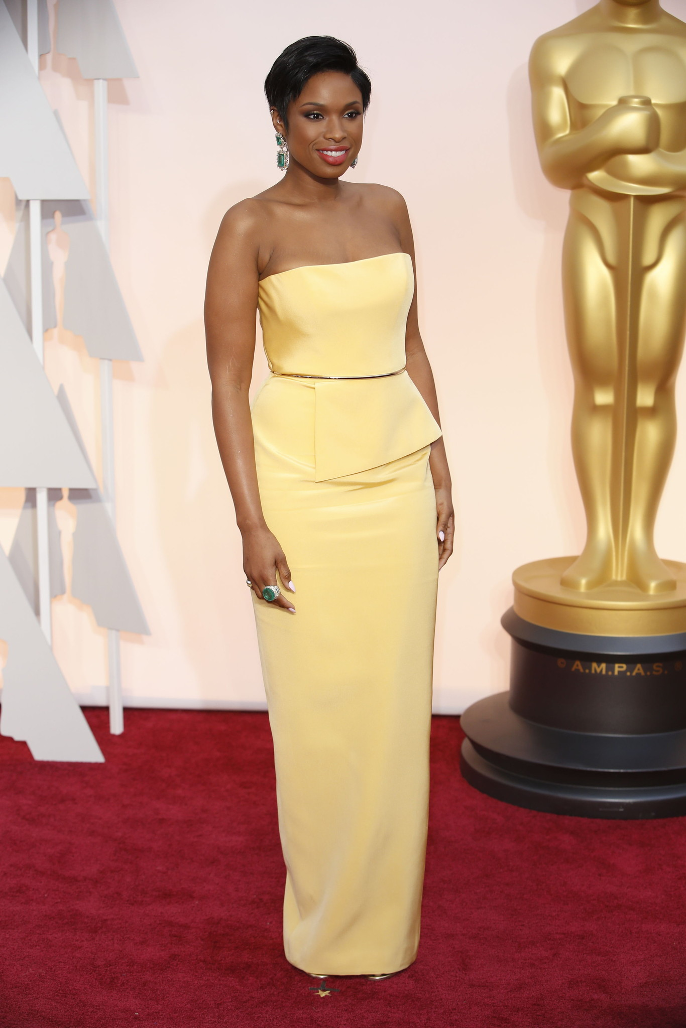 Oscar 2015 red carpet Jennifer Hudson