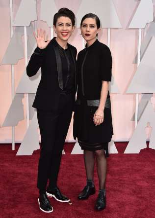 Oscar 2015 red carpet Sara Quin and Tegan Quin